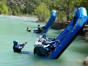 Cabillito en rafting con la familia