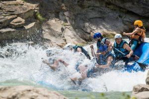 Rafting paso de olas rio gallego