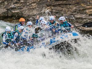 Rafting Escolares en el paso de olas Murillo de Gallego
