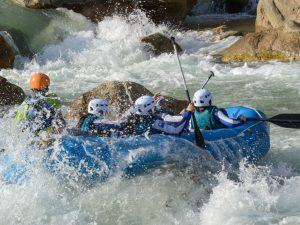 Paso del embudo en rafting rio gallego