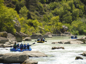Outdoor training con rafting