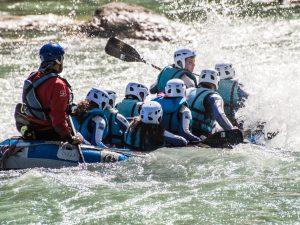 Regala Rafting con Aventura en el Pirineo