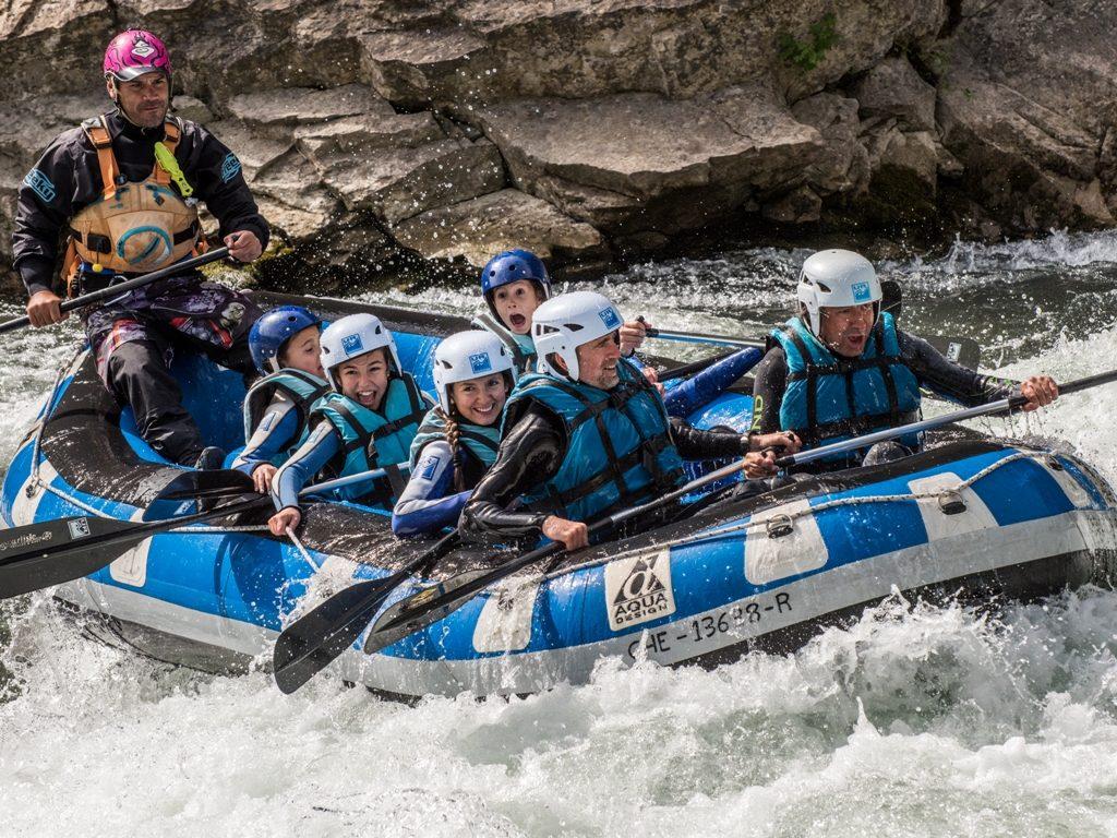 Rafting en familia cera de Jaca