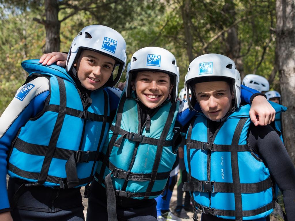 Rafting en familia en el rio gallego