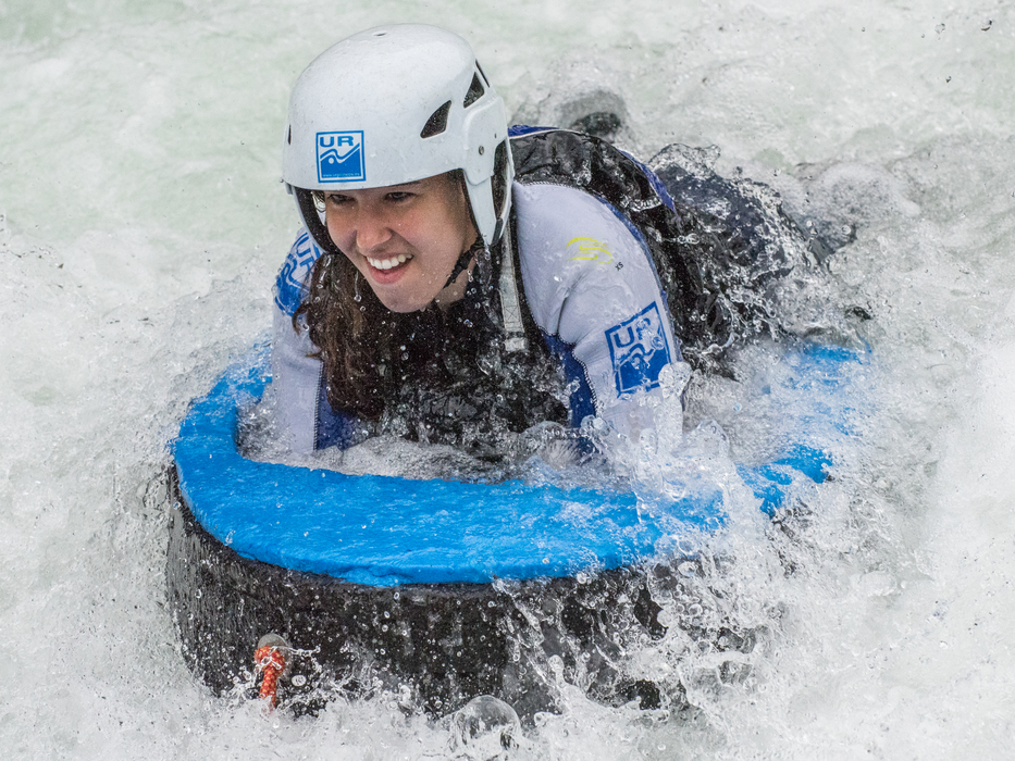 Hidrospeed-y-deportes-de-aventura-con-adrenalina-con-UR-pirineos