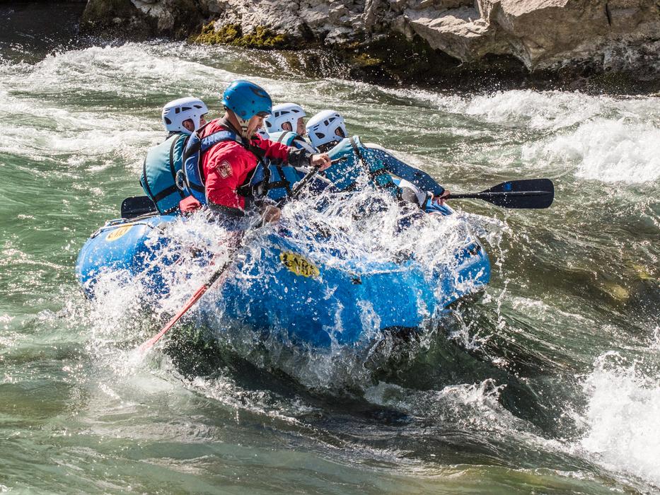 Rafting-en-el-Rio-Gallego-con-UR-Pirineos