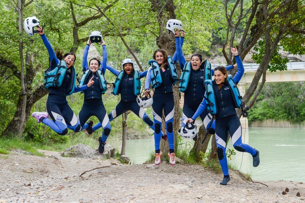 Gente disfrutando de la aventura con UR Pirineos Huesca