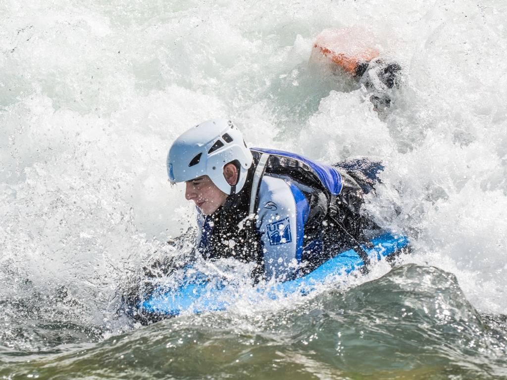 Hidrospeed en rio gallego Jaca con UR Pirineos