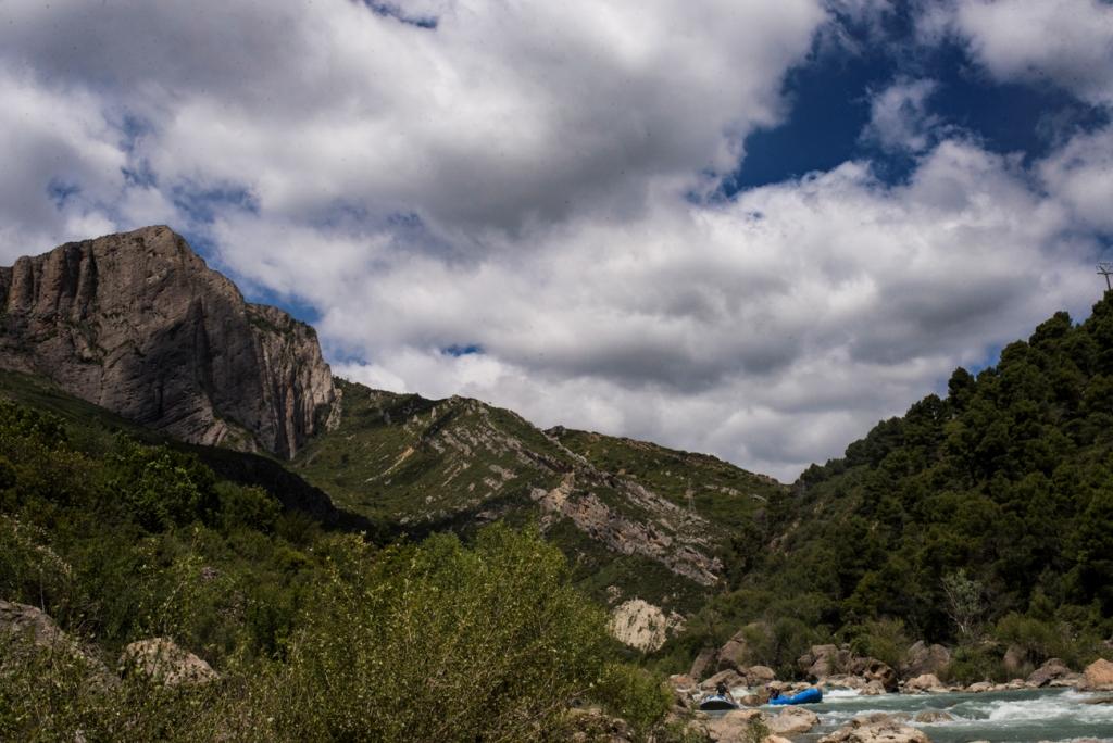 Mallos de Murillo de Gallego en primavera oferta kayak