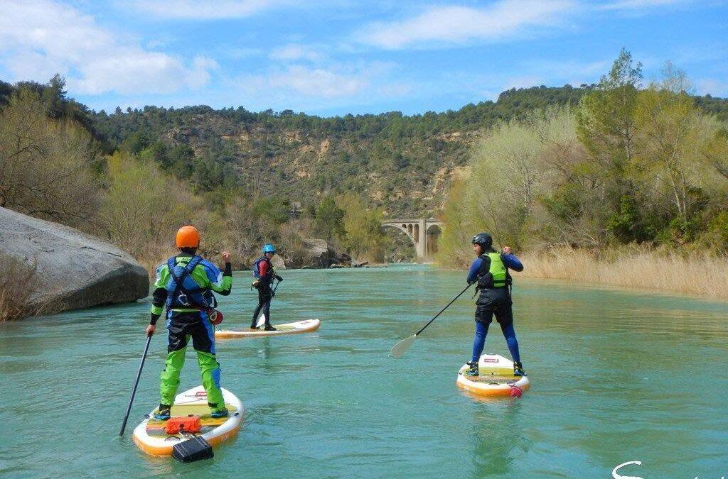 STAND-UP PADDLE, una nueva manera de surcar las olas del Río Gállego en el prepirineo aragonés