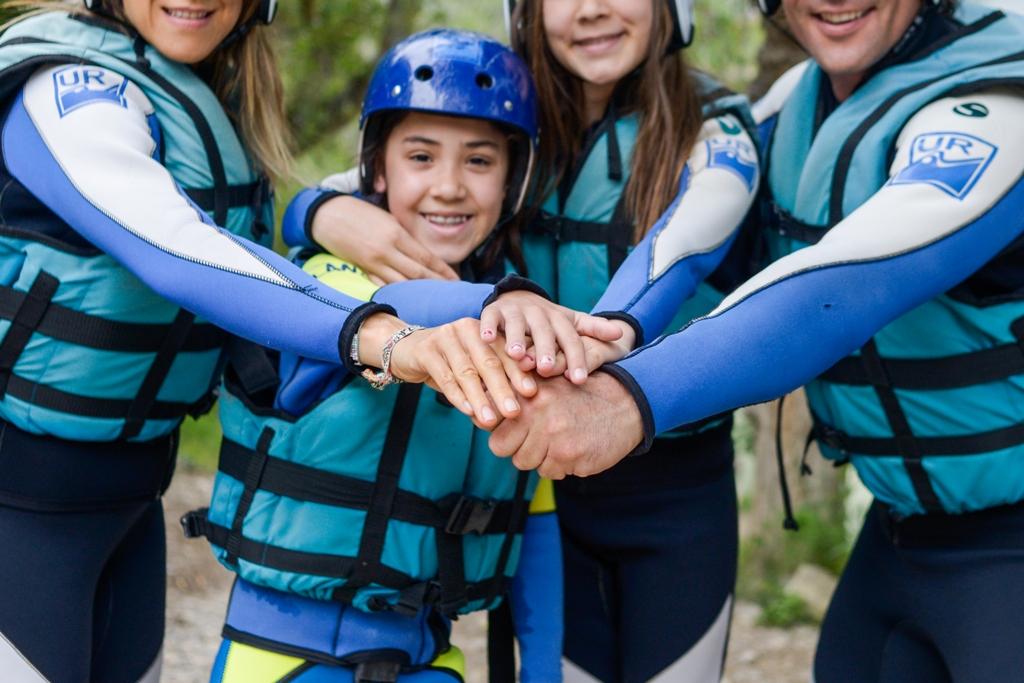 Multiaventura en septiembre y vacaciones con deportes de aventura con niños UR Pirineos