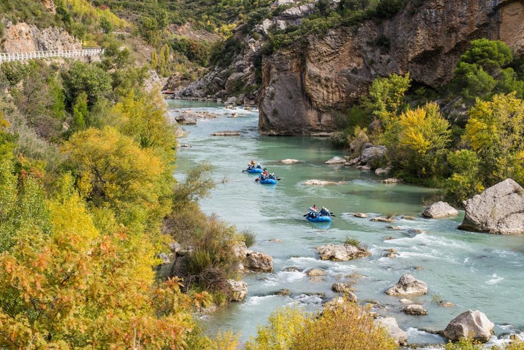Rafting en otoño en el rio gallego con UR Pirineos