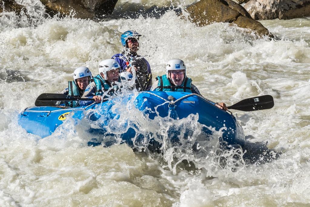 Septiembre en rafting UR Pirineos cerca de Huesca Jaca Zaragoza