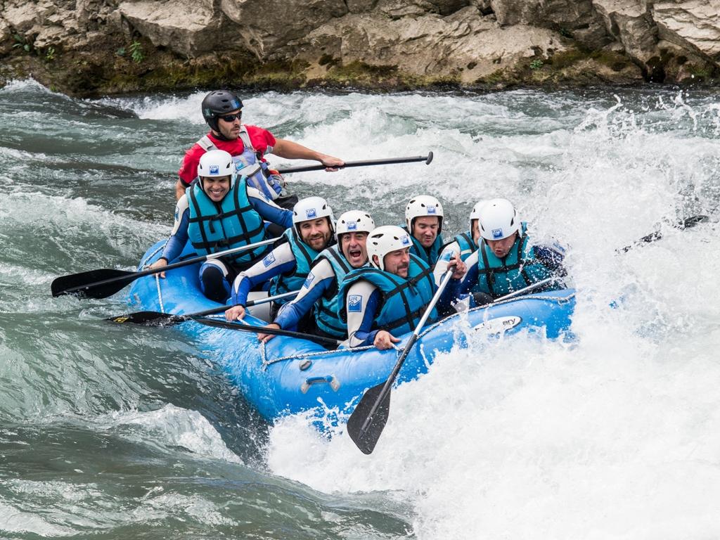 actividad de Rafting septiembre Jaca con UR Pirineos