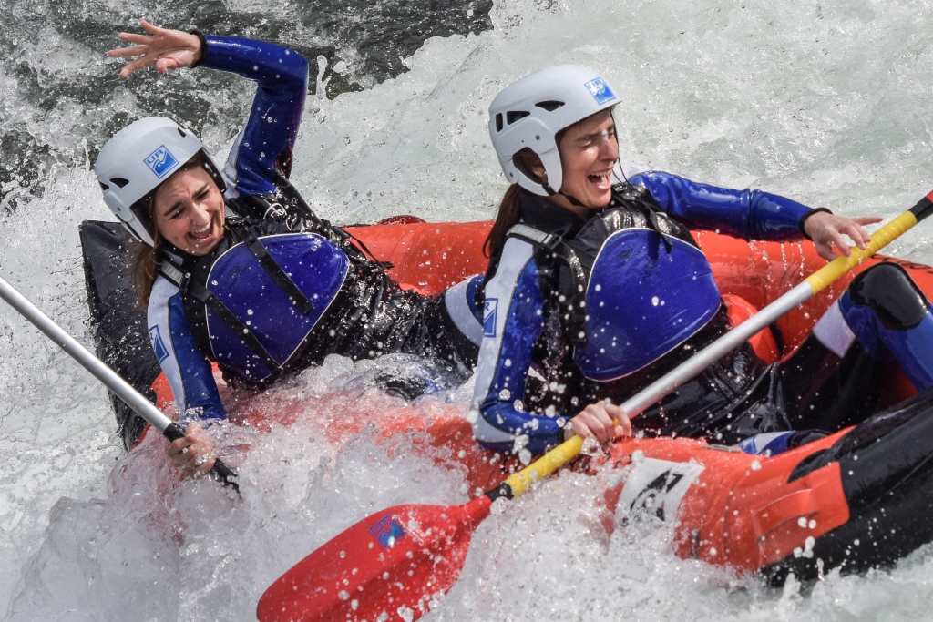 Kayak primavera Jaca Huesca Murillo de Gallego multiaventura semana santa y puente de Mayo